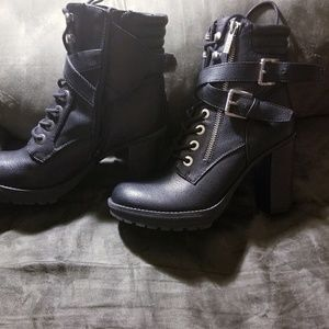 Guess Factory Black Fanna Boots in Size 7M